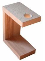 Support en bois d'immobilisation de la sonde pour mesurer les montures de lunettes et les petits objets métalliques
