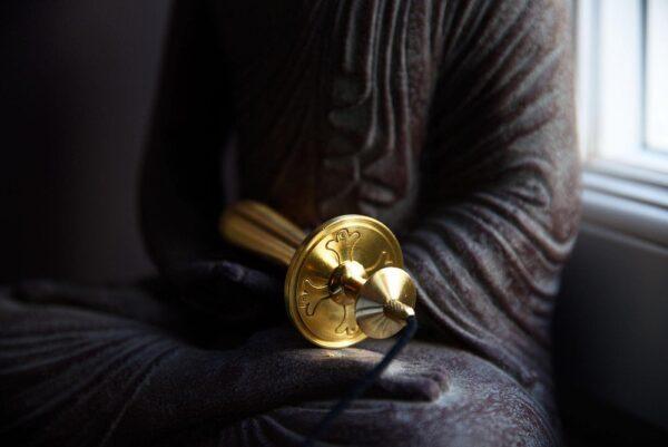 Pendule de Saint-Benoît plaqué or